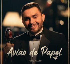 Mano Walter mostra versatilidade em single romântico e elegante com voz e piano